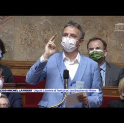 """le député des Bouches-du-Rhône sort """"un joint"""" devant l'Assemblée nationale lors d'un débat sur la légalisation du cannabis"""